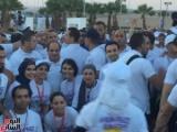 بالصور | الشباب يلتقطون صورا مع السيسى بعد انتهاء ماراثون السلام بشرم