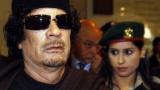 وصيفة حارسات القذافي تكشف سر اختياره الإناث لحمايته!