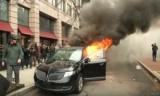 شاهد اشتعال النيران في سيارة